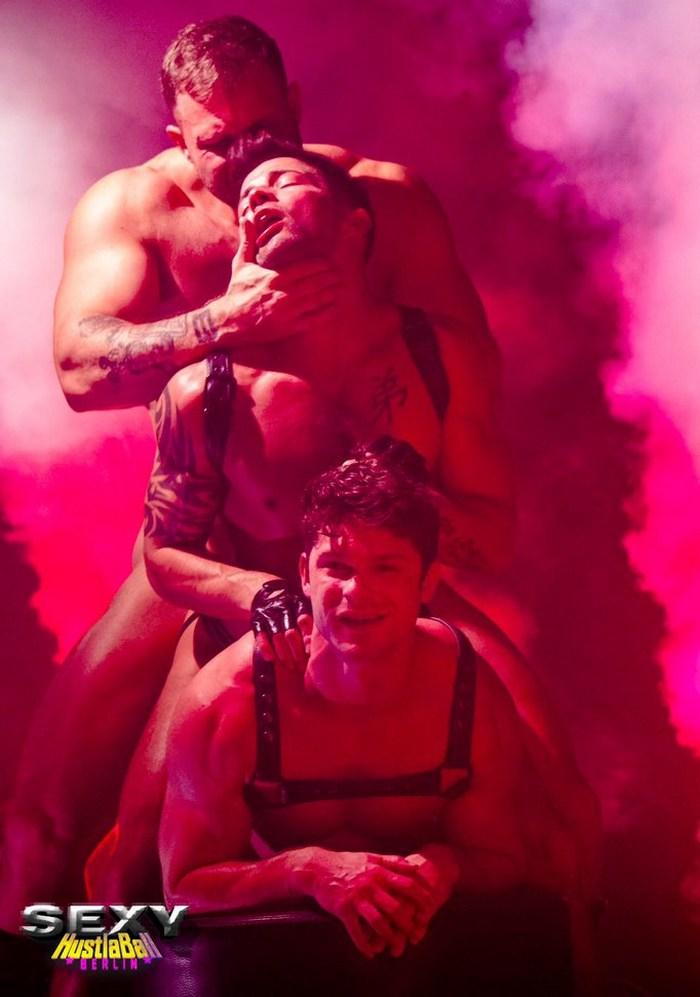 Sex berlin live inhabi.com